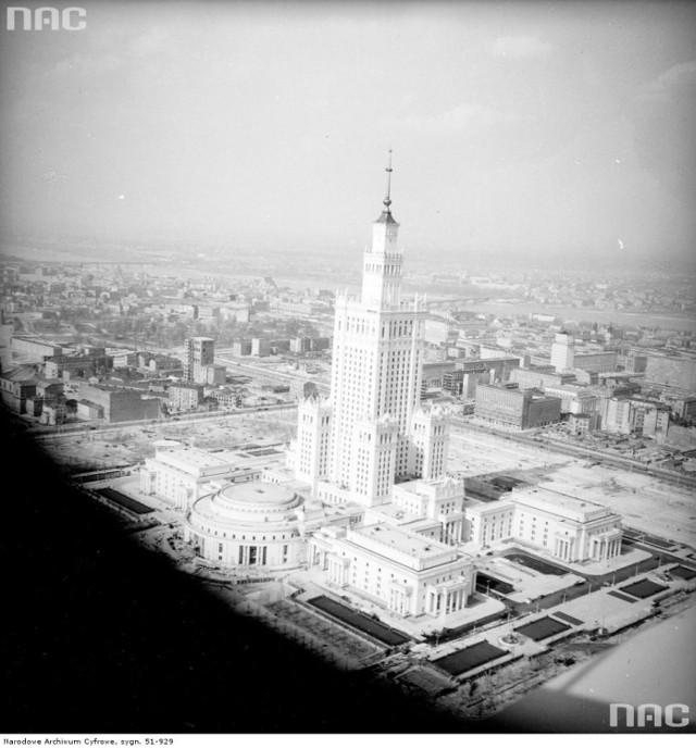 Pałac Kultury i Nauki w Warszawie/ rok 1955