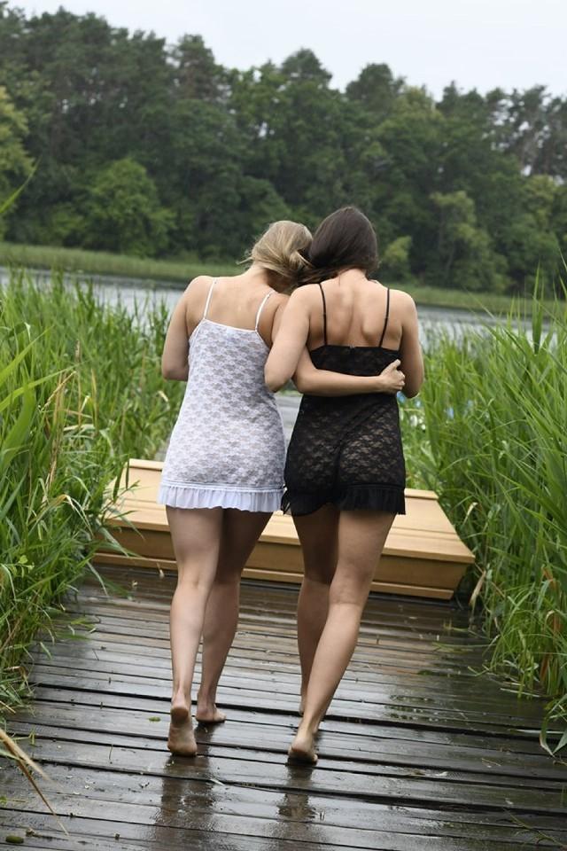 pic nagich kobiet czarno-białe owłosione lesbijki