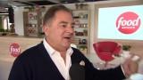 Robert Makłowicz zdradza tajemnice idealnego grillowania: Marynaty są okropne i zmieniają smak tego, co chcemy zjeść [WIDEO]