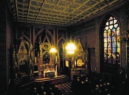 Licznie odwiedzanym przez pątników jest sanktuarium pod wezwaniem świętych Andrzeja i Barbary - jedno z najstarszych w Częstochowie. ZDJĘCIE: JACENTY DĘDEK