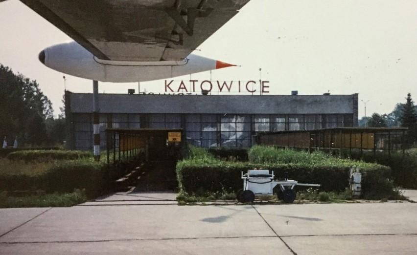 Sierpień 1990 roku, terminal pasażerski pyrzowickiego...