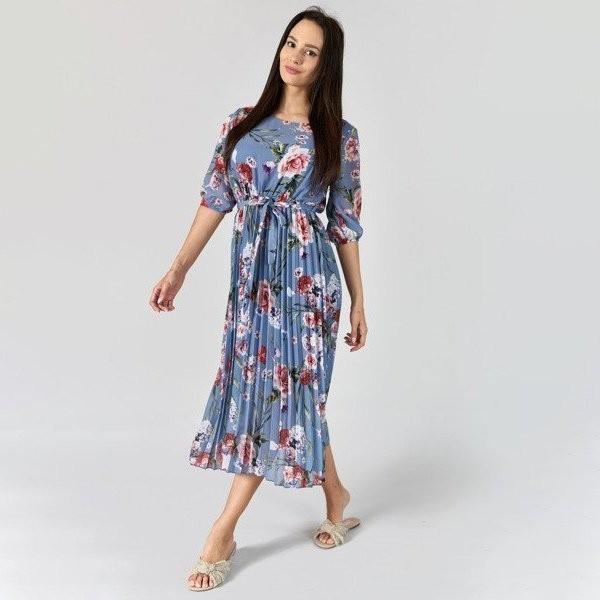Niebieska plisowana sukienka w kwiatki - Odzież