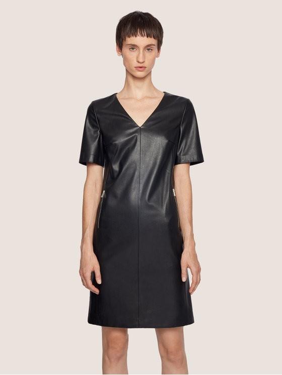 Boss Sukienka skórzana C_Dalegy 50437973 Czarny Regular Fit