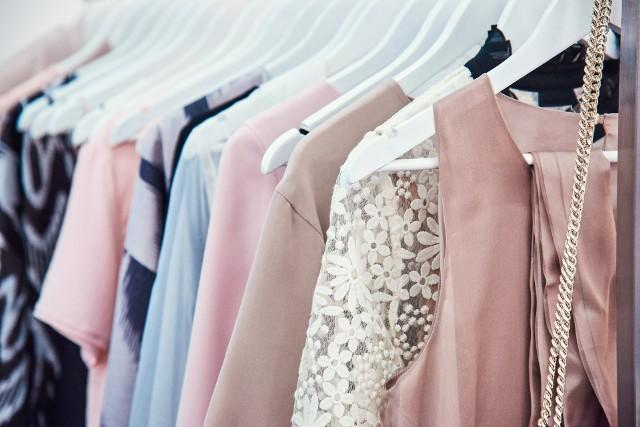 Wybierz najlepszą dla siebie elegancką sukienkę.