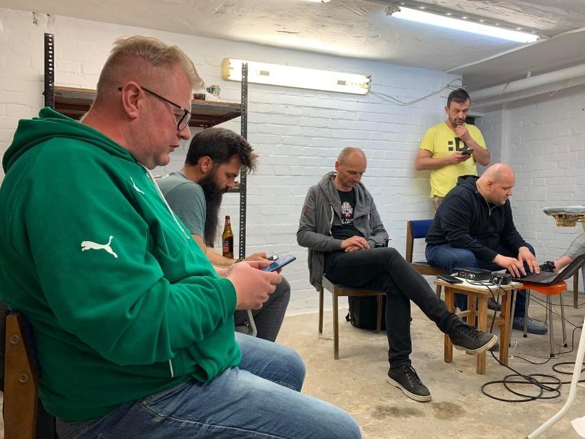 Burmistrz Marek Cebula wziął udział w #Hot16Challenge2. Jak...