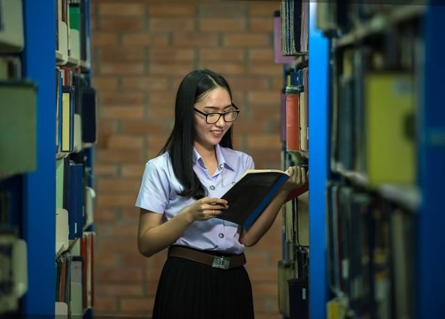Czytaj też: Jakie studia najlepiej wybrać? Sprawdź, co studiować, aby więcej zarabiać [RAPORT]