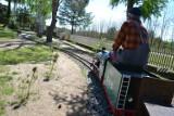 Koniecznie zabierz tutaj dziecko! Miniaturowe miasteczko kolejowe leży zaledwie 40 minut autem od Gorzowa!