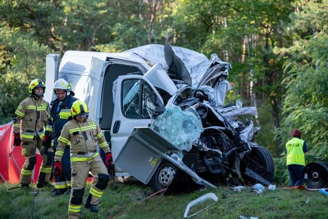 Do tragicznego wypadku doszło na drodze krajowej nr 32 niedaleko Zielonej Góry.