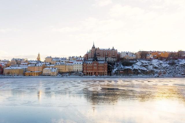 Jaka pogoda w Sztokholmie jest w konkretnych miesiącach?