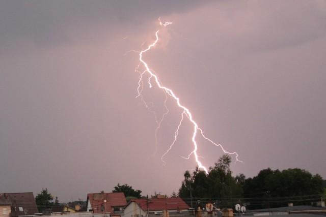 Burza w Sulechowie, pod Zieloną Górą. Zobaczcie niezwykłe zdjęcia błyskawic.