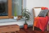 Dom i ogród: balkon i taras w drewnianej odsłonie. Sprawdźcie, jak stworzyć przytulne miejsce do odpoczynku