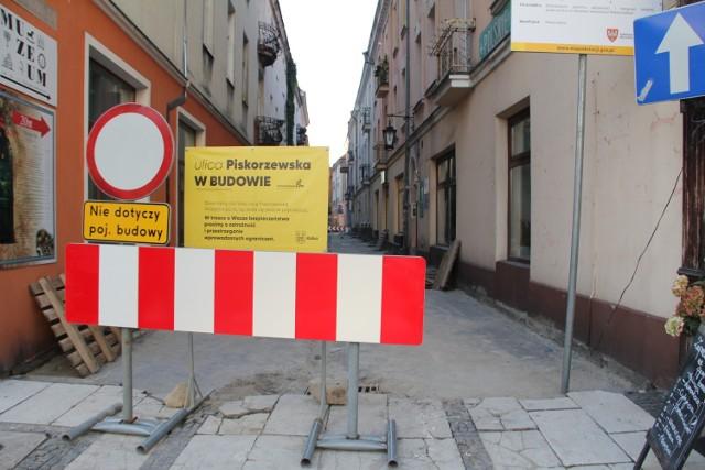 """Zmieniamy Wielkopolskę. Remontują ulice w centrum ramach projektu """"Kalisz - kurs na rewitalizację"""""""