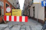 """Zmieniamy Wielkopolskę: Remontują ulice w centrum ramach projektu """"Kalisz - kurs na rewitalizację"""" ZDJĘCIA"""