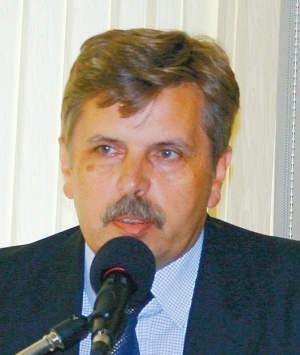 Ireneusz Duszczyk uznaje się za prawowitego prezesa płońskiej spółdzielni zrzeszającej obecnie 4365 członków. W zarządzanych przez nią blokach mieszka jedna trzecia płońszczan