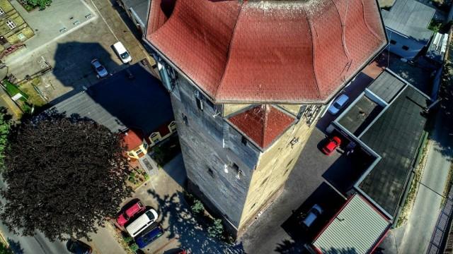Międzyrzecz. Miejska wieża ciśnień wybudowana około 1911-1916 r. Już nieczynna. Wysokość wieży to ok. 47 m.
