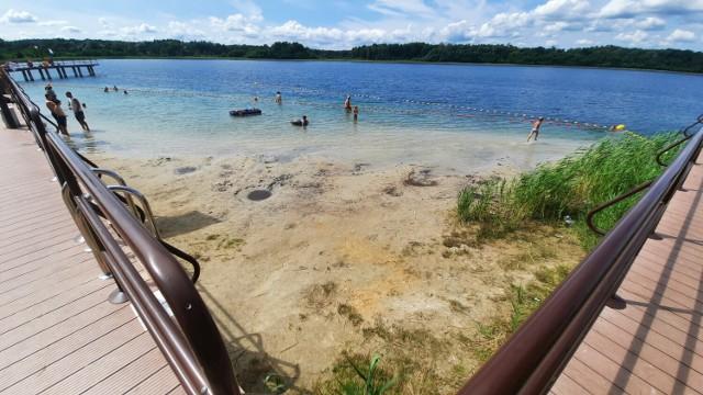 Z Głogowa nad jezioro Głębokie dojedziemy w nieco ponad godzinę. Akwen ma bardzo czystą wodę. Niestety, jest jej już dramatycznie mało.