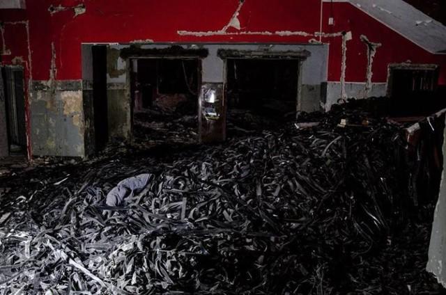 """Kino """"Helios"""" w Grudziądzu popadało w coraz większą ruinę. Tak wyglądał obiekt tuż przed wyburzeniem"""