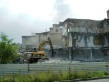Piła. Zobaczcie zdjęcia z burzenia dawnego budynku ZNTK przy ul. Warsztatowej w 2013 roku