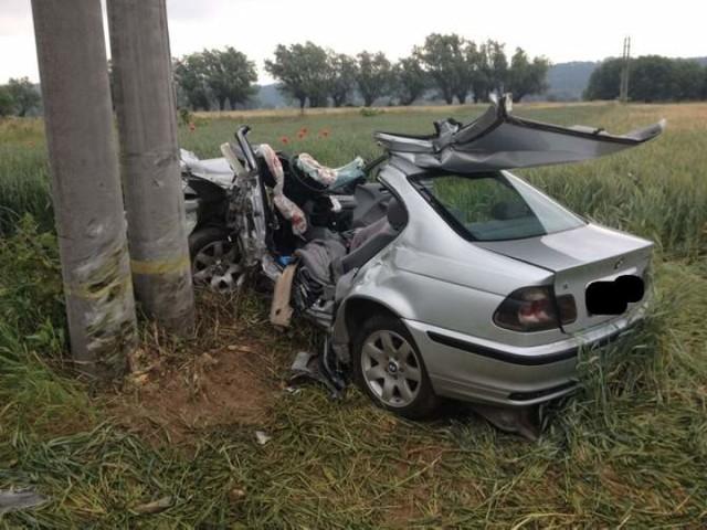 Ratownikom nie udało się uratować kierowcy