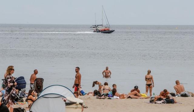 Czy warto dzisiaj jechać nad Bałtyk? Sprawdź temperaturę w morzu