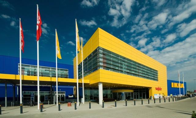 Mobilny Punkt Odbioru Zamówień IKEA od 23 lipca 2021 będzie działać w Wadowicach. Kliknij dalej, by zobaczyć, jak wyglądają produkty Ikei
