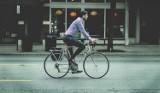 Mandaty dla rowerzystów za prędkość i jazdę po chodniku. Za co rowerzysta dostanie mandat?