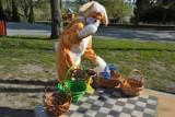 Wielkanoc kojarzy się, zwłaszcza dzieciom, z Zajączkiem, który je odwiedza i zostawia słodkości