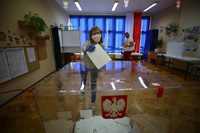 Na kolejnych slajdach znajdziecie wyniki wyborów w Cieszynie i powiecie cieszyńskim.   >>>>>>>>>>>>>>>>>