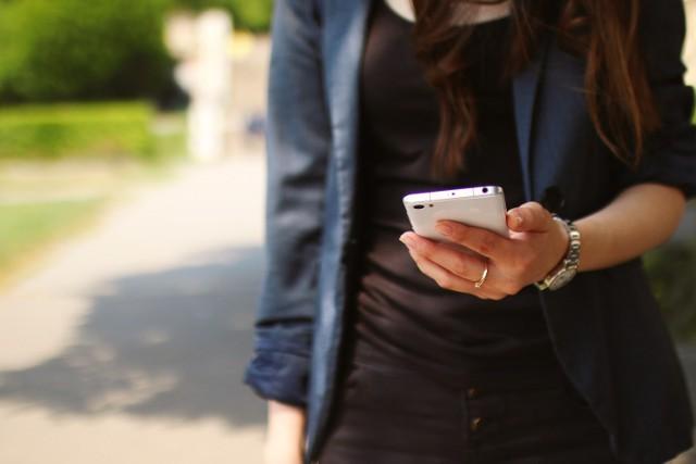 """Podejrzane telefony. Lepiej nie odpowiadaj """"tak"""", gdy odbierzesz"""