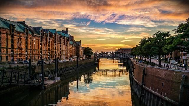 Przekonaj się, kiedy warto lecieć do Hamburga. Pogoda nie spłata ci figla