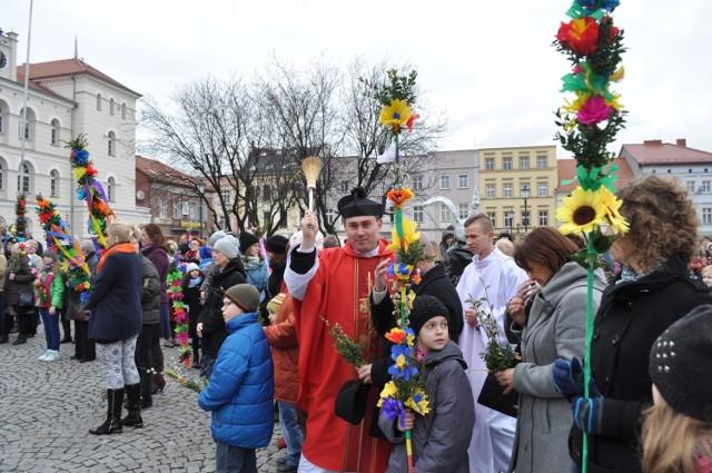 Niedziela Palmowa w śremskiej farze - 20 marca 2016 r.