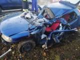 Groźny wypadek na Dolnym Śląsku. Z auta została miazga. Zobacz zdjęcia!