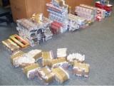 Lewe papierosy, tytoń i spirytus na Rynku Bałuckim. Kontrola skarbówki zabezpieczyła kontrabandę