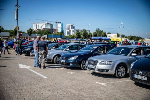Zobaczcie licytacje komornicze samochodów i motocykli z województwa kujawsko-pomorskiego. Jakie samochody można kupić w okazyjnej cenie od komorników? Sprawdźcie na kolejnych zdjęciach >>>