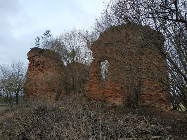 Żarki Wielkie. Wieżę rycerską zniszczyli znużeni rabunkami władcy