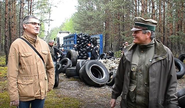 Dwie firmy zajęły się uprzątnięciem i utylizacją opon pozostawionych  w lesie.