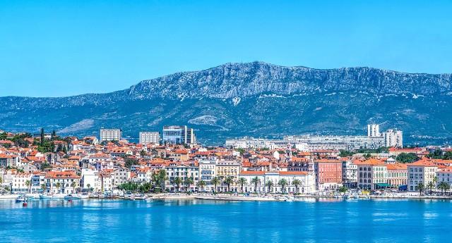 Przekonaj się, kiedy warto lecieć do Splitu. Pogoda nie spłata ci figla