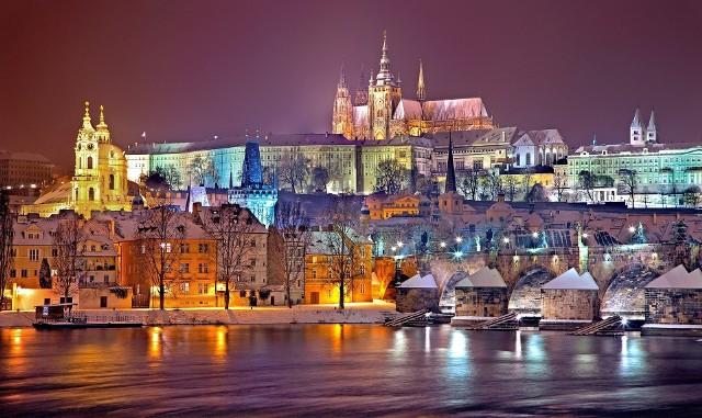 Sprawdź, jaka jest pogoda w Pradze w poszczególnych miesiącach