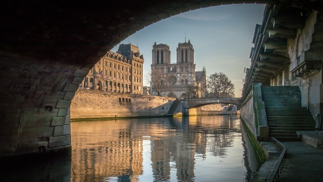Sprawdź, jaka jest pogoda w Paryżu w poszczególnych miesiącach