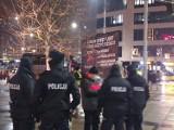 Zobaczcie zdjęcia z protestu przeciwko lobby LGBT w centrum Wrocławia
