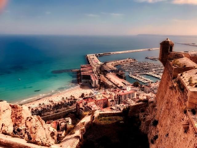 Pogoda w Alicante. Porównaj poszczególne miesiące