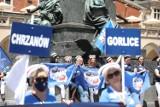 Pielęgniarki strajkowały na krakowskim Rynku.  Przyjechały również z Gorlic [ZDJĘCIA]