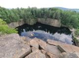 Widziałeś już zatopione kamieniołomy? To miejsce zachwyca! [ZDJĘCIA]