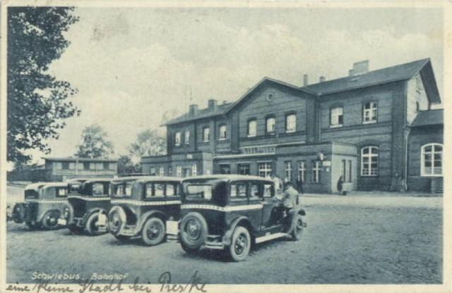 Tak wyglądał dworzec PKP w Świebodzinie przed wojną. Oto stare widokówki udostępnione za zgodą www.schwiebus.pl