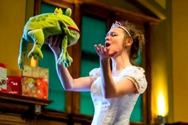 Spektakle Les Femmes przyciągają piękną scenografią i muzyką. Zdjęcie z koncertu Mikołajkowego