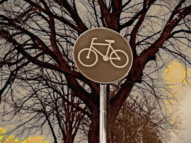 Budowa ścieżki rowerowej współfinansowana przez Unię Europejską z Europejskiego Funduszu Rozwoju Regionalnego.