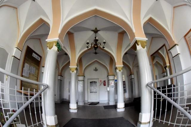 Pałac w Przełazach leży 15 km od Świebodzina. To jedno z najpiękniejszych miejsc w województwie lubuskim.