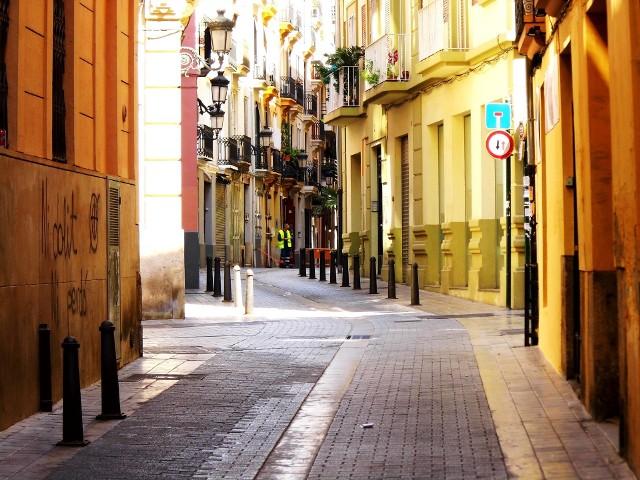 Przekonaj się, kiedy warto lecieć do Walencji. Pogoda nie spłata ci figla