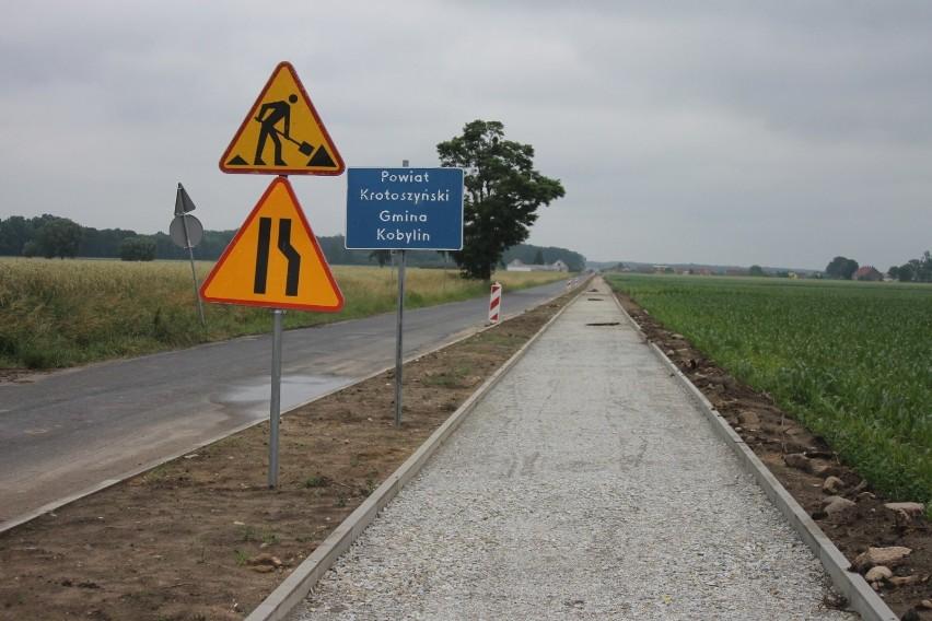 Trwa budowa ścieżki pieszo-rowerowej Smolice-Raszewy-Pasierby [ZDJĘCIA]