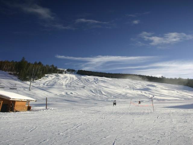 Popularną propozycją sylwestrową jest wybrać się na narty